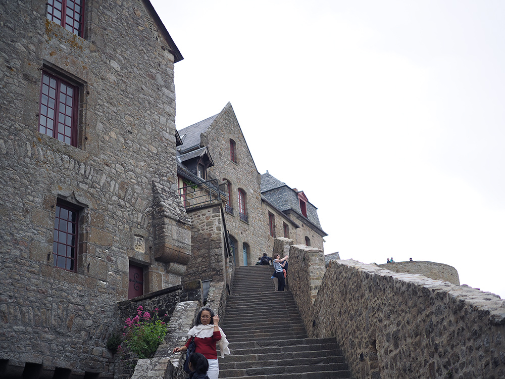 mont-saint-michel-inside