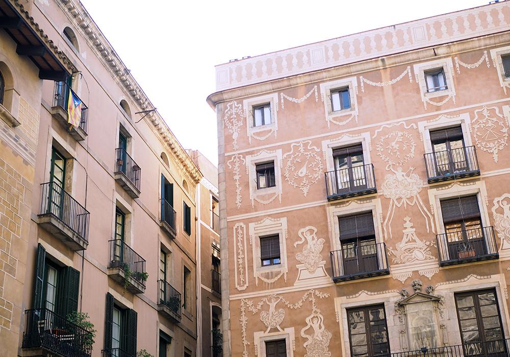 rue-barcelone-02