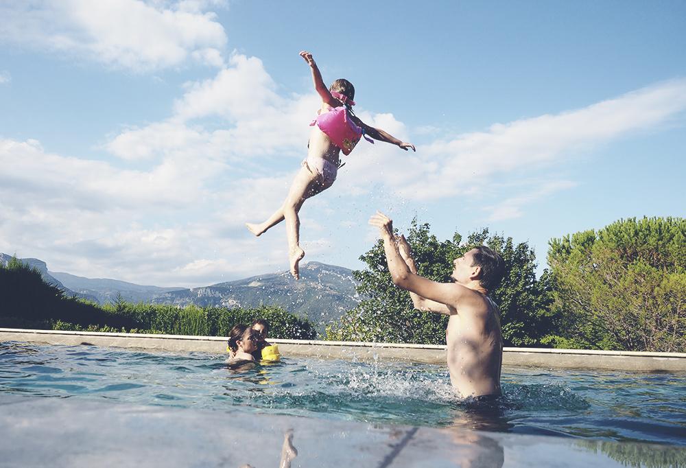 saut-piscine-01