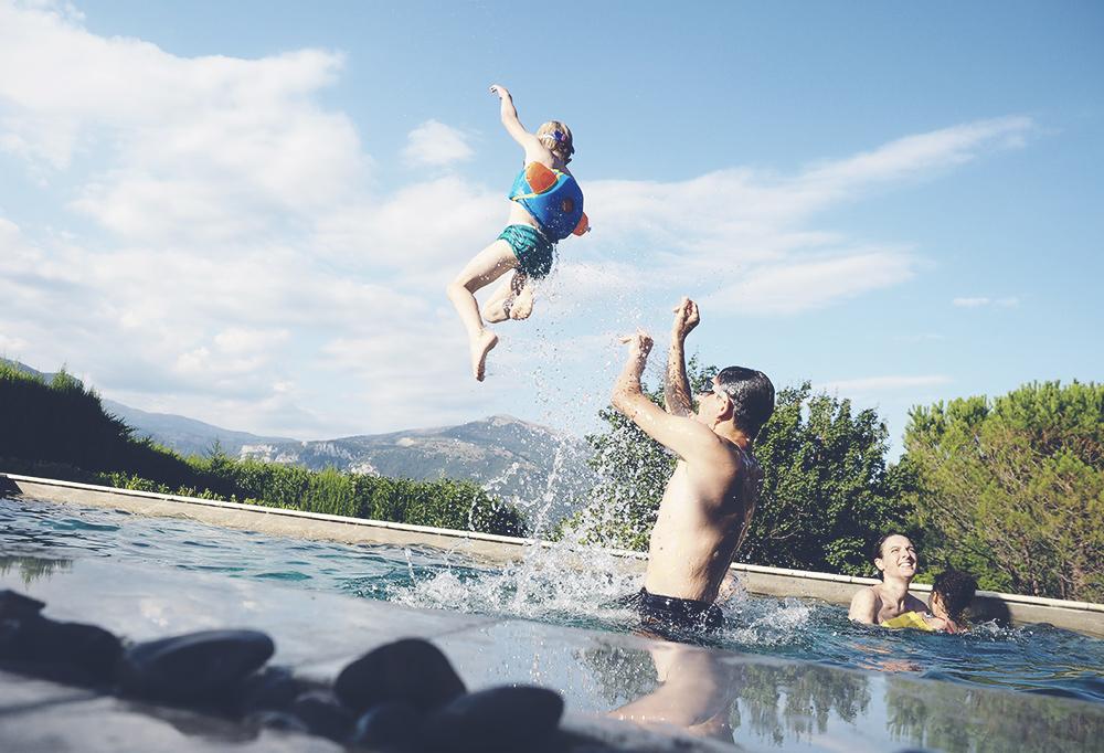 saut-piscine-02