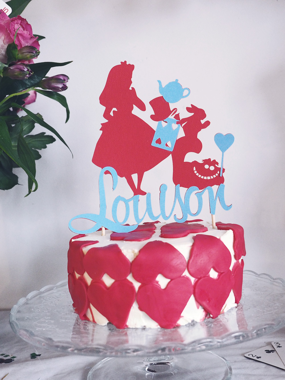 cake-topper-alice-in-wonderland