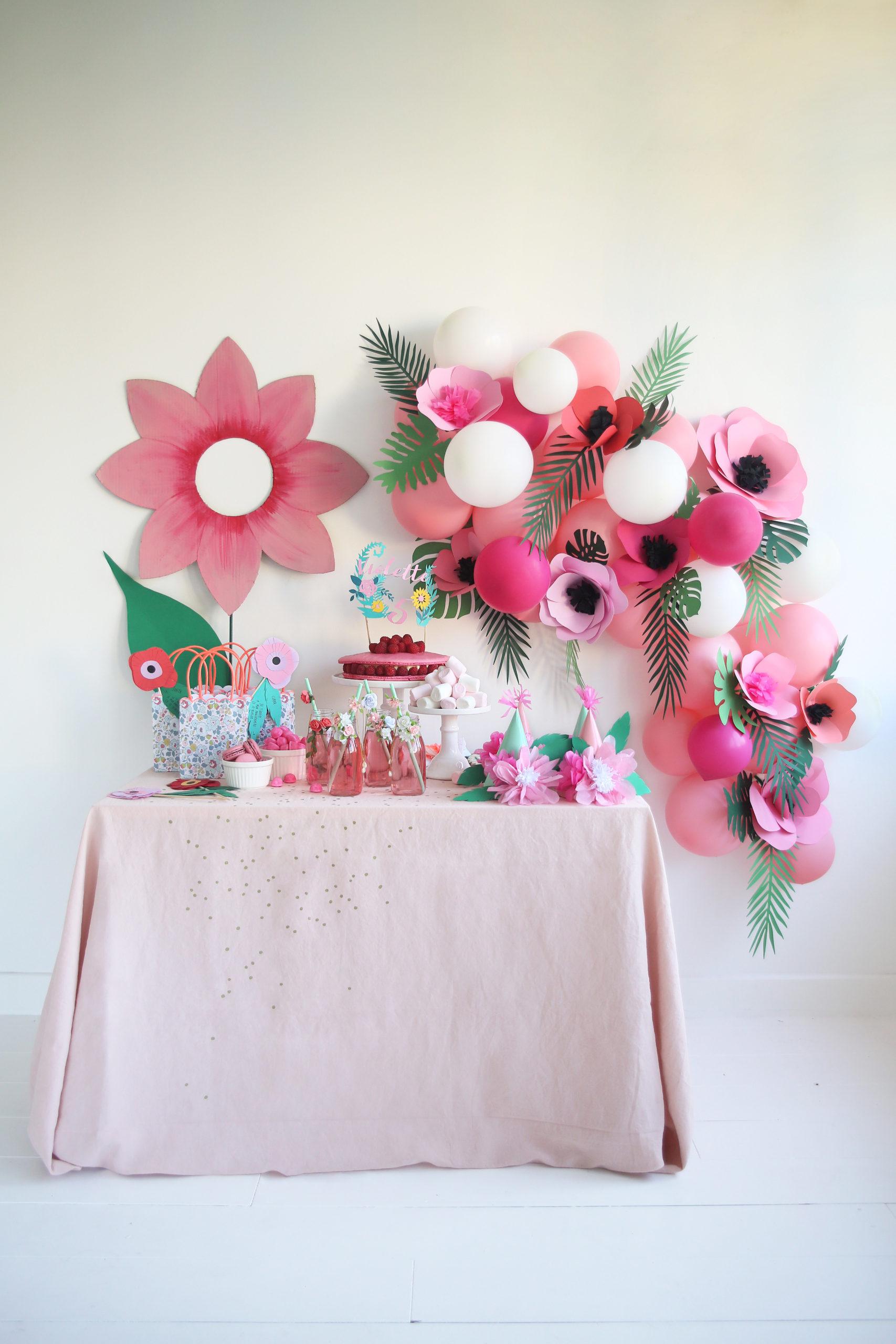 couronne de ballons fête anniversaire fleurs